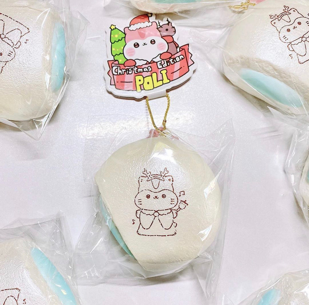 Poli Christmas White Cream Bun Squishy