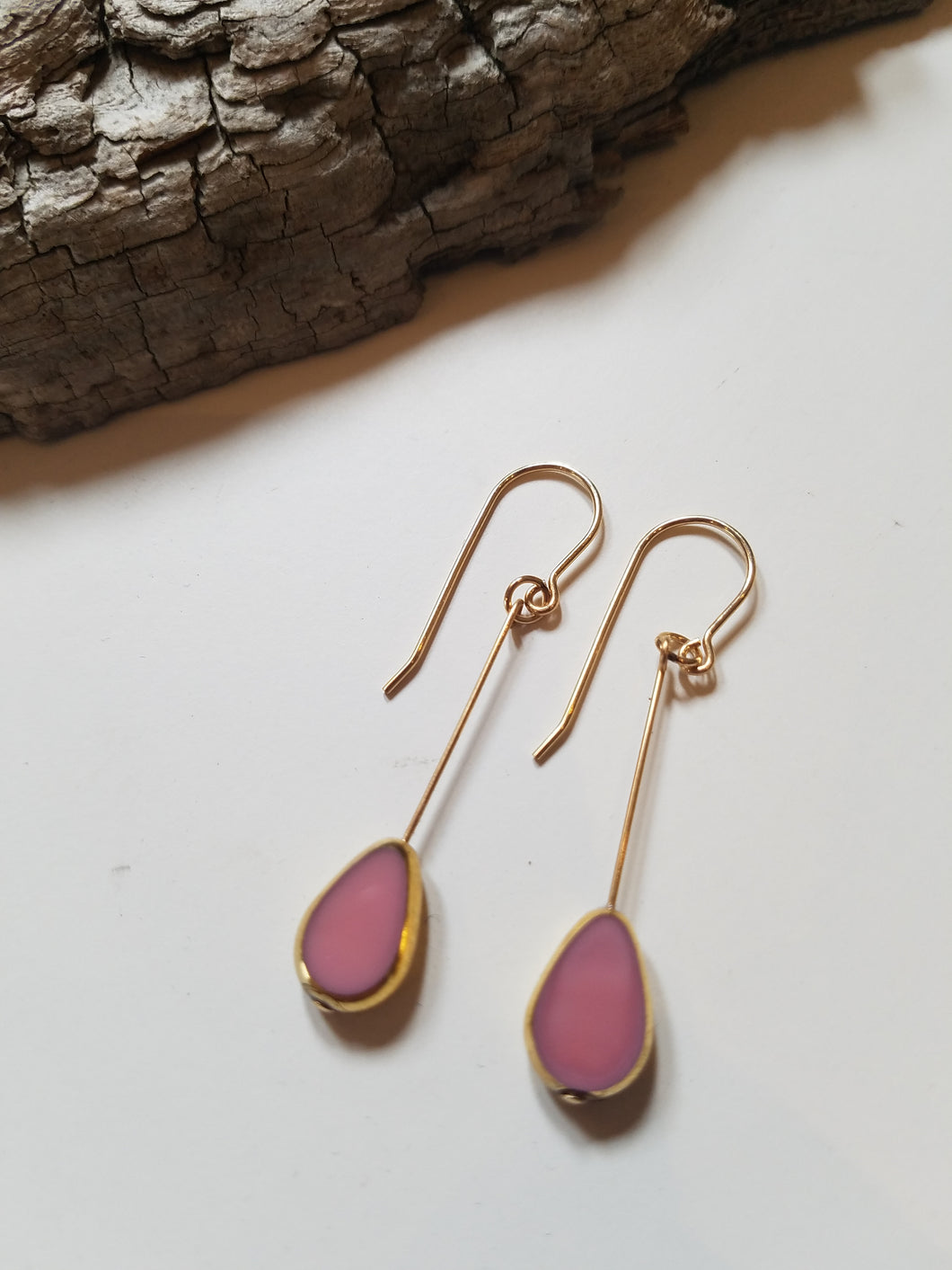 earrings pink