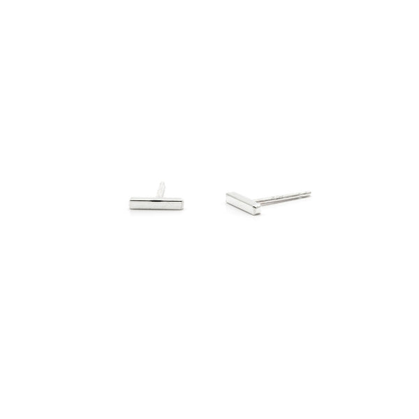 Ls Tiny Square Bar Studs