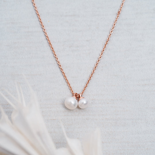 Friendship Necklace - White Pearl - Rose Gold