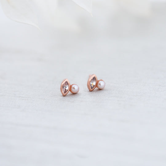 Flawless Stud - White Pearl - Clear - Rose Gold