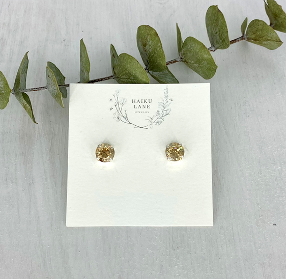 Marilyn Studs - Silver 8mm Swarovski Crystal - Golden Shadow