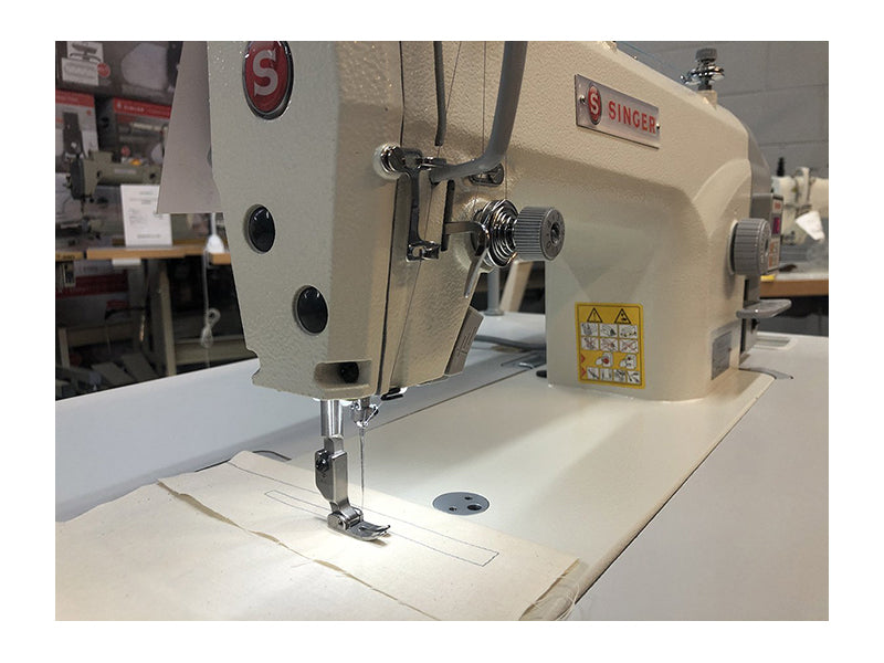 Singer Industrial Plain Sewing Machine