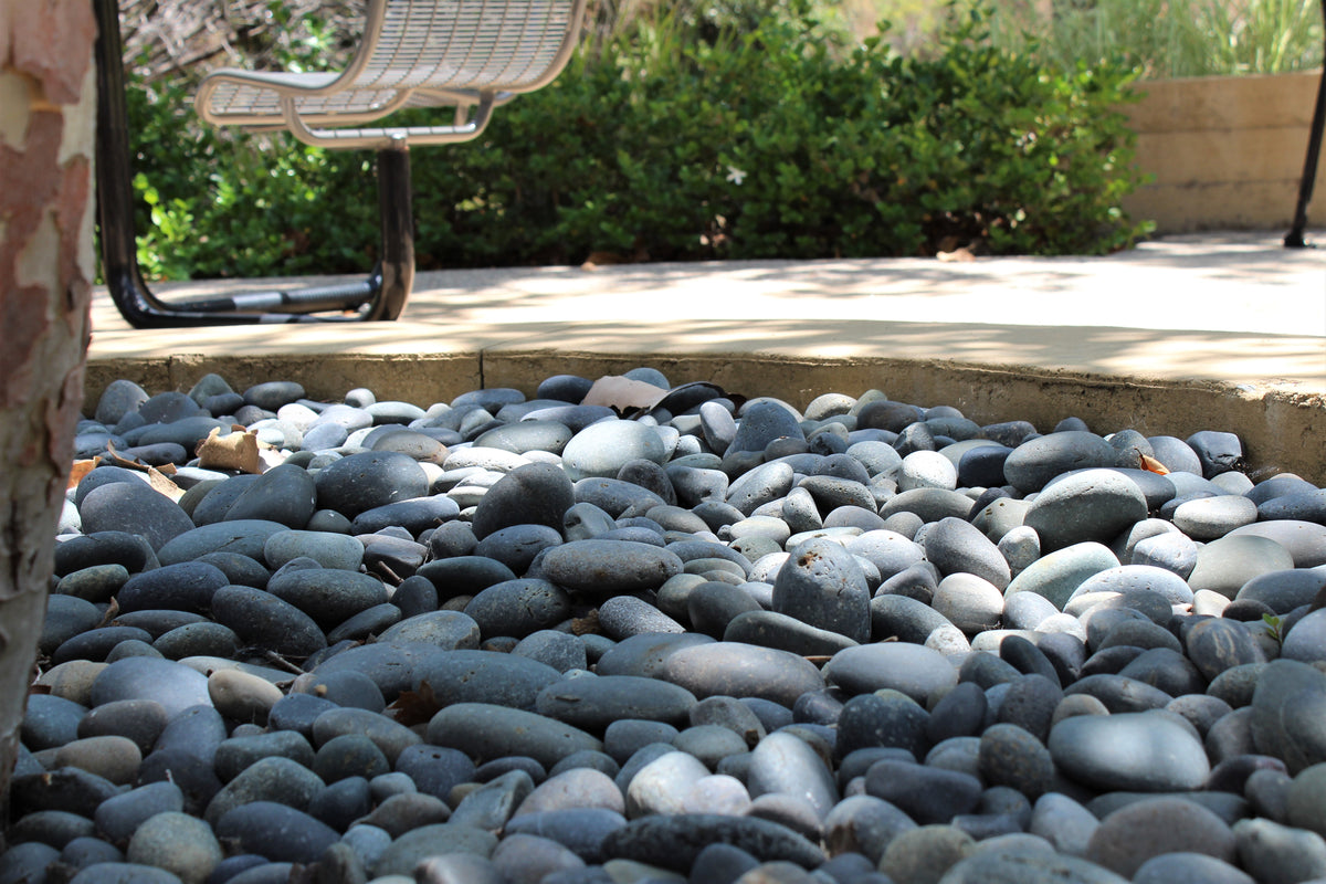 5 Gorgeous Beach Pebble Landscaping Ideas You Need to Use this Summer