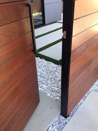 White decorative gravel in an urban floor application
