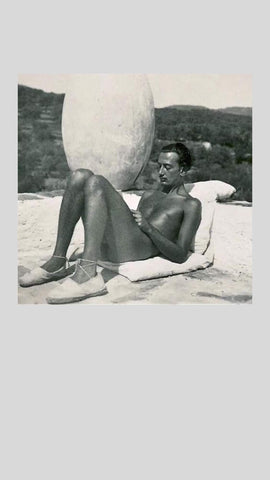 salvator dali in espadrilles