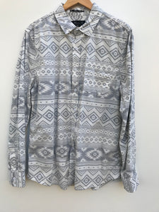 2 Men Aztec Shirt - L