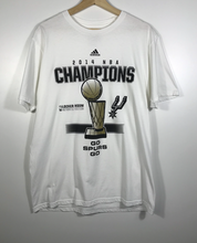 Load image into Gallery viewer, 2014 NBA Champs Spurs Tee - L