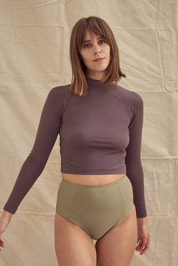 Aire Turtle Neck Dark Taupe