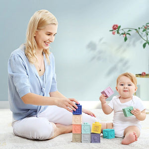 Mom-And-Baby-Playing-Building-Blocks
