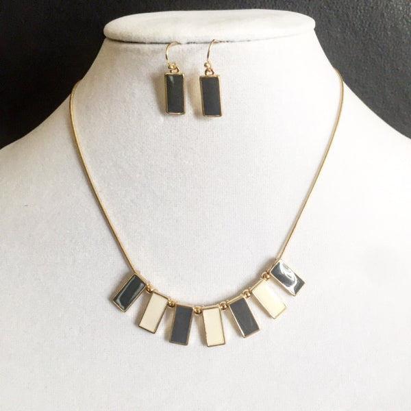 Domino Gold Necklace/Earrings Set - MeTimeBoutique