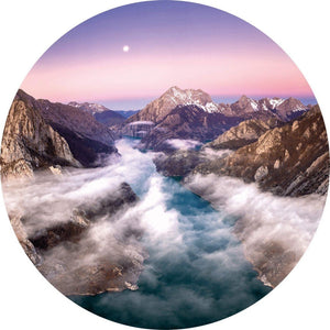 Wizard+Genius Over the Mountains Vlies Fotobehang 140x140cm rond | Yourdecoration.be