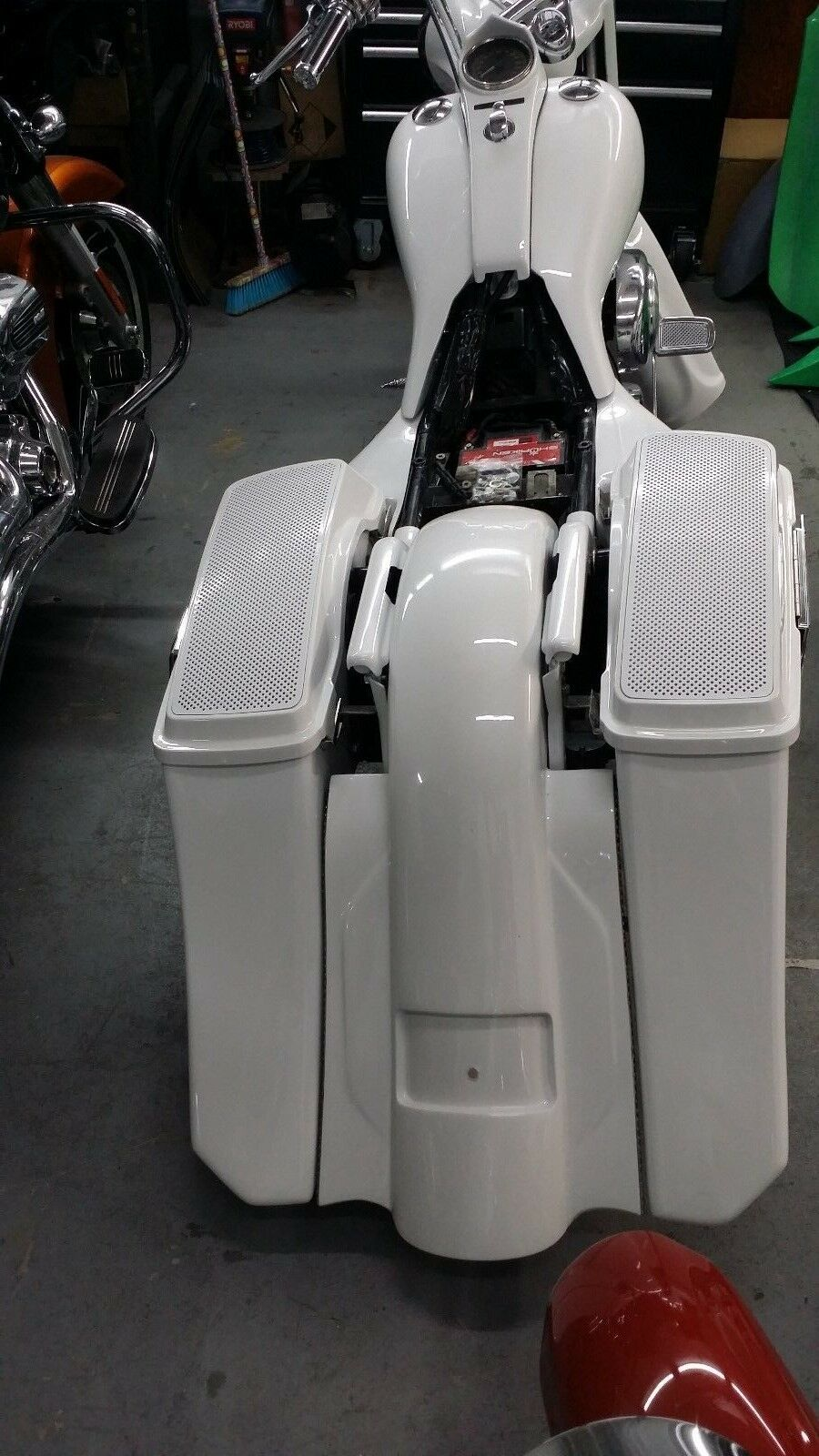 "Stretched 6"" Drop Back SaddleBags repl. Fender Harley 1997-2008 flh Stock Lids"