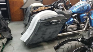 "6"" Stretched Saddlebags / fender no lids  99 & up Yamaha Roadstar"