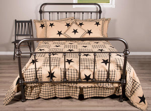Farmhouse Star Queen Size Quilt by Primitive Home Decors