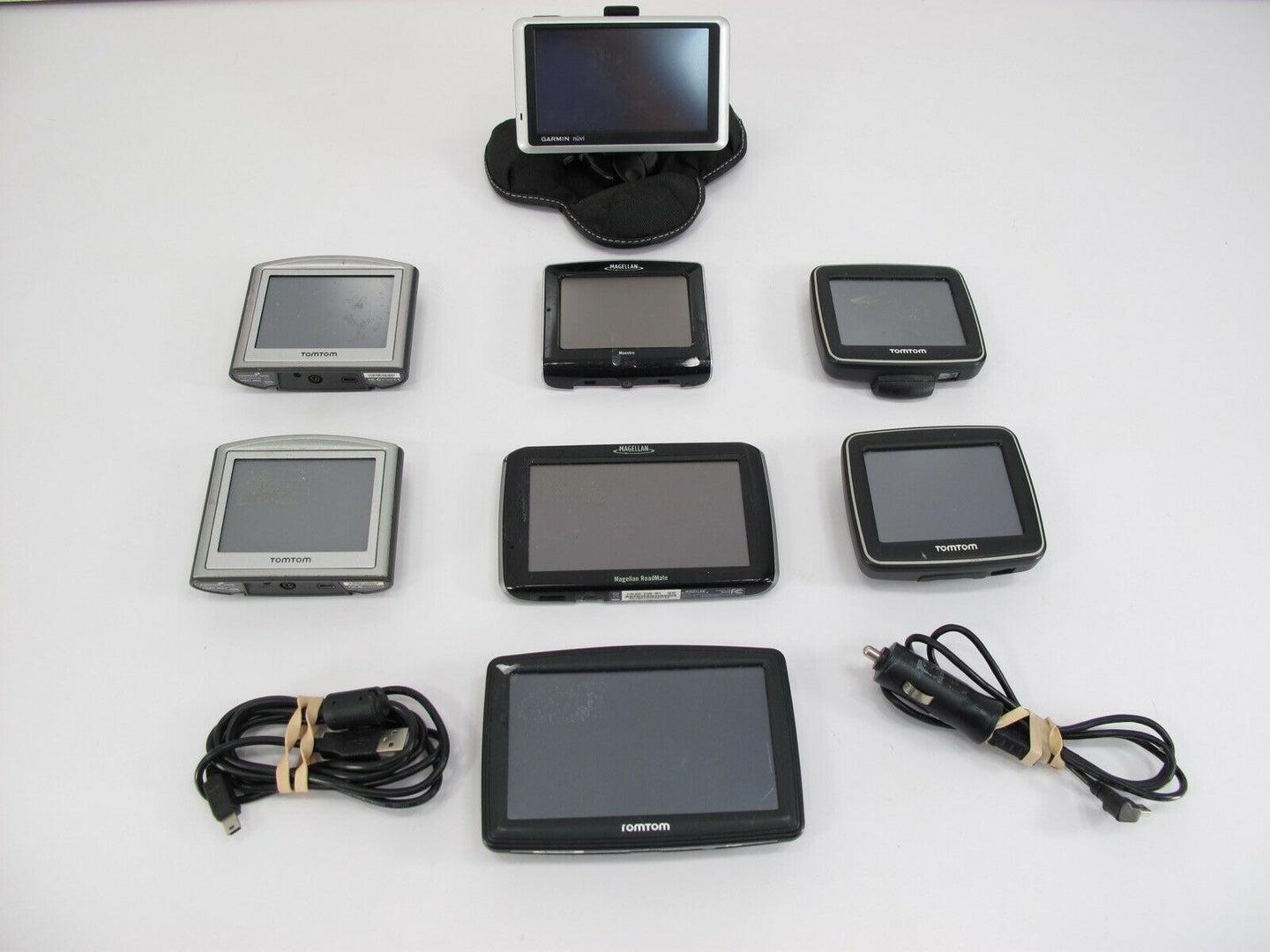 Lot of 8 Garmin TomTom & Magellan GPS Units Maestro Roadmate One Nuvi