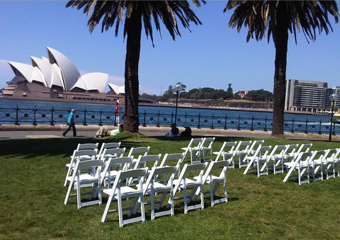 gladiator white folding chairs - nufurn