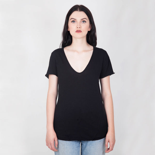 Sennen V-neck T-shirt - Black - Hawthorn and Co - 1