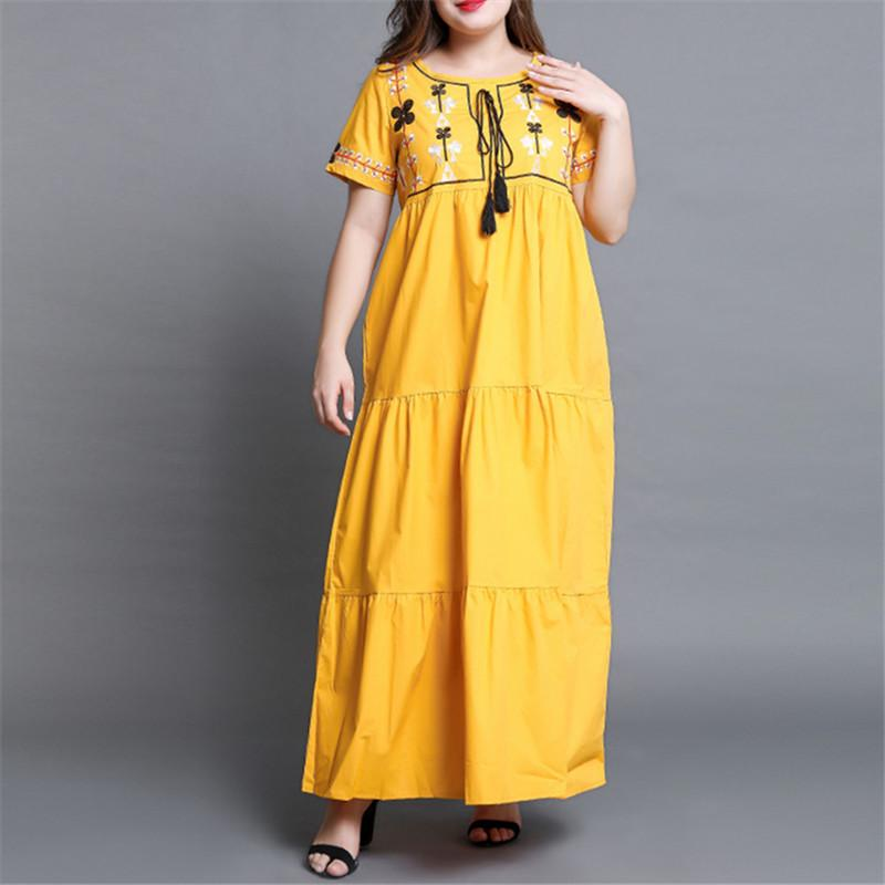 Plus-Size Short-Sleeved Embroidered Dress