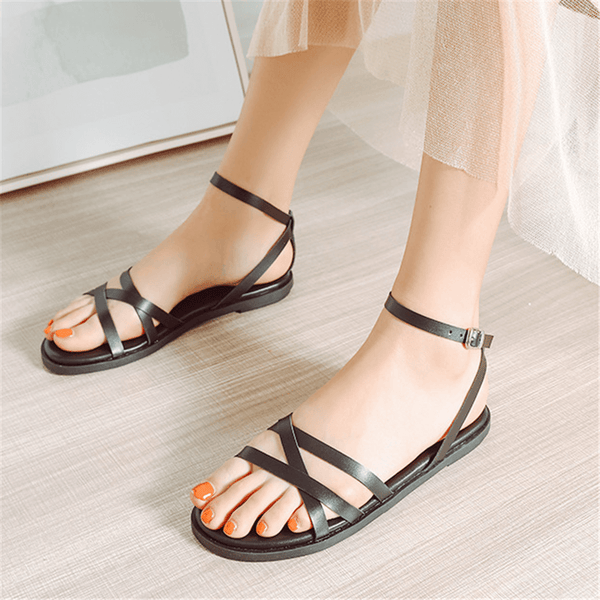 Fashion Round   Head Buckle With Flat Sandals