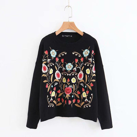 Round-collar positioning embroidered long-sleeved sweater