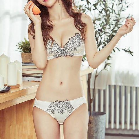 Rose Embroidered Lace Gathered Bra Set