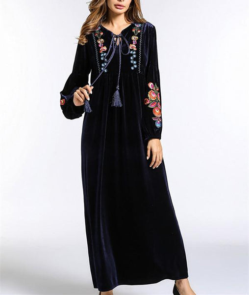 Fashion frenulum embroidered long-sleeved dress
