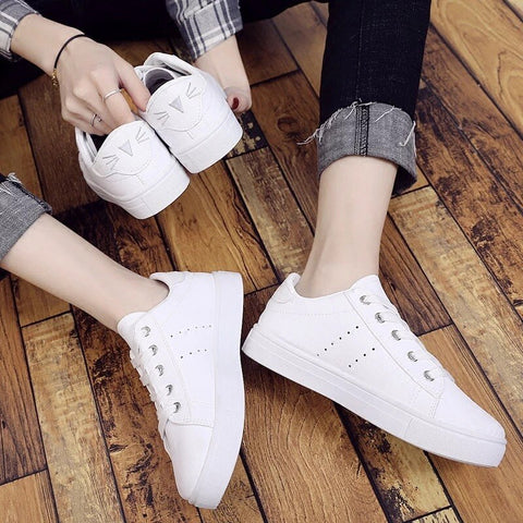 White Women Sneakers Split Leather Cute Cat Lace Up Vulcanize Shoes Casual Cartoon Walking Flat Shoes