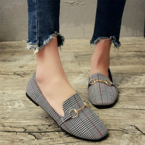 New Retro Flat Shoes Tartan Design Round Top Metal Button Flat Loafer