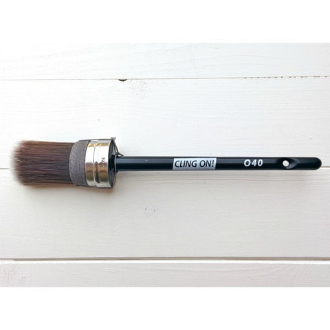 Cling On! Brush O40