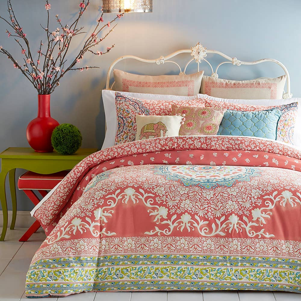 Amrita Medallion Comforter Collection