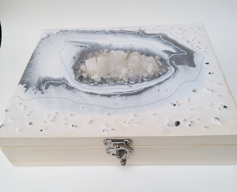Snow Quartz Crystal / Trinket or Tea Storage box