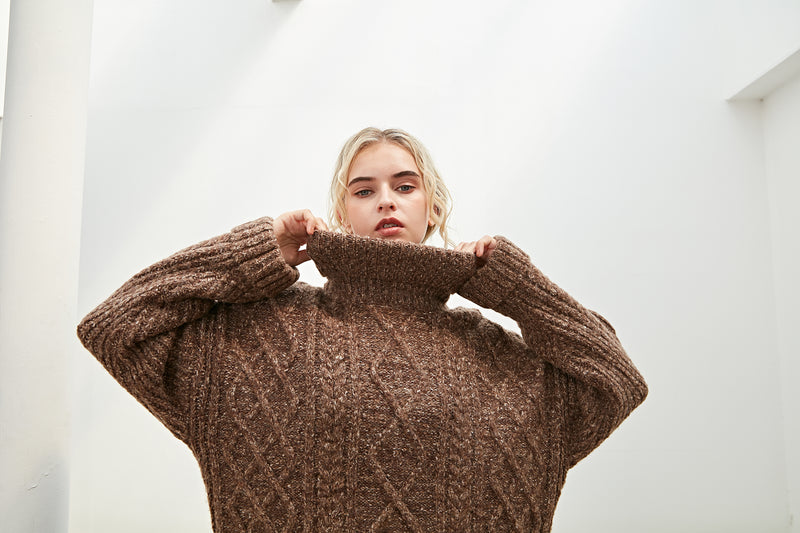 Cable knit SWEATER Turtle neck