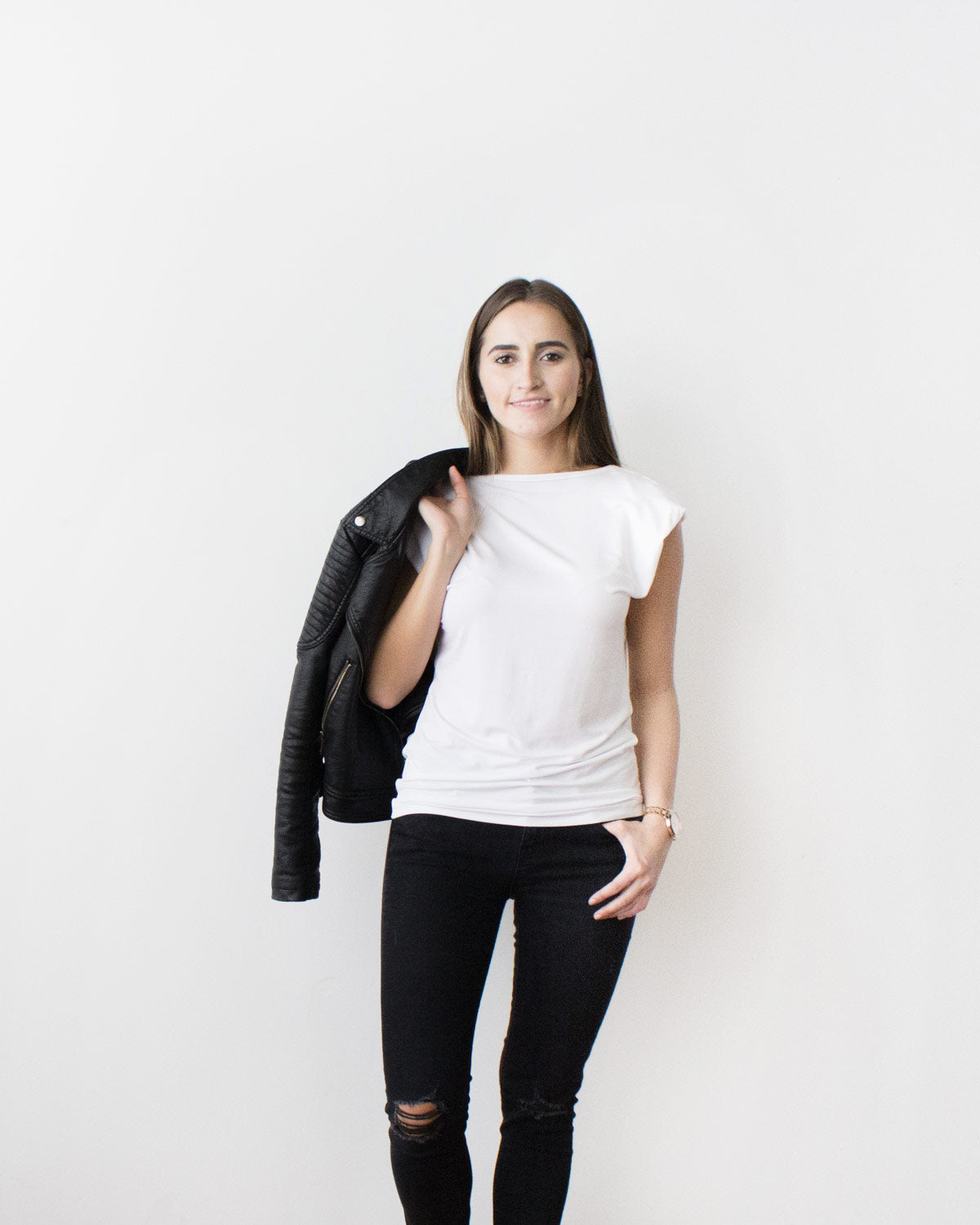 Minimalist Shirt for the Everyday Traveler. Ethically made in canada with sustainable and eco friendly materials.