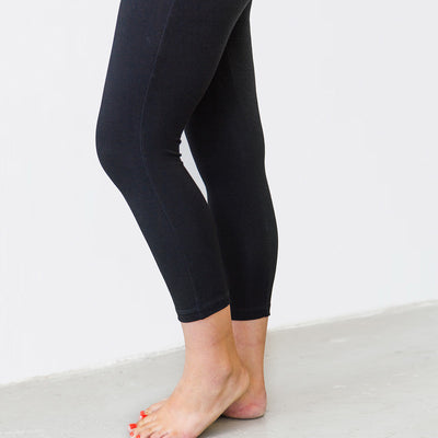 The Minimalist Crop Legging