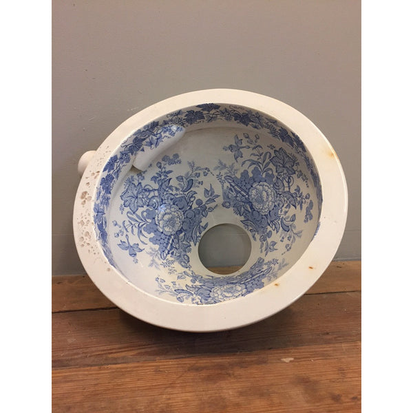 victorian blue and white lavatory pan / toilet bowl