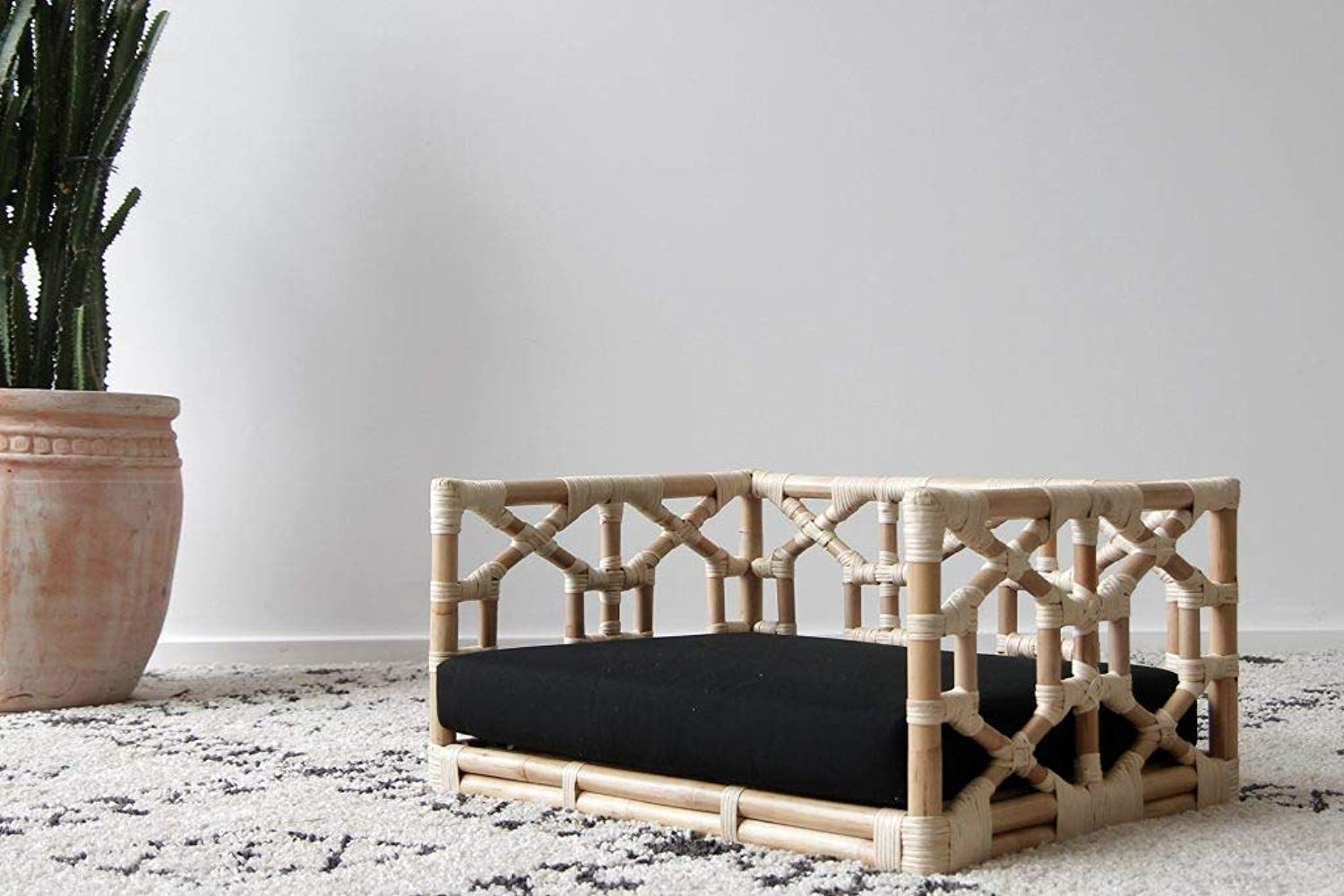 IRA Rattan Imperial Dogbed – Medium - IRA Furniture