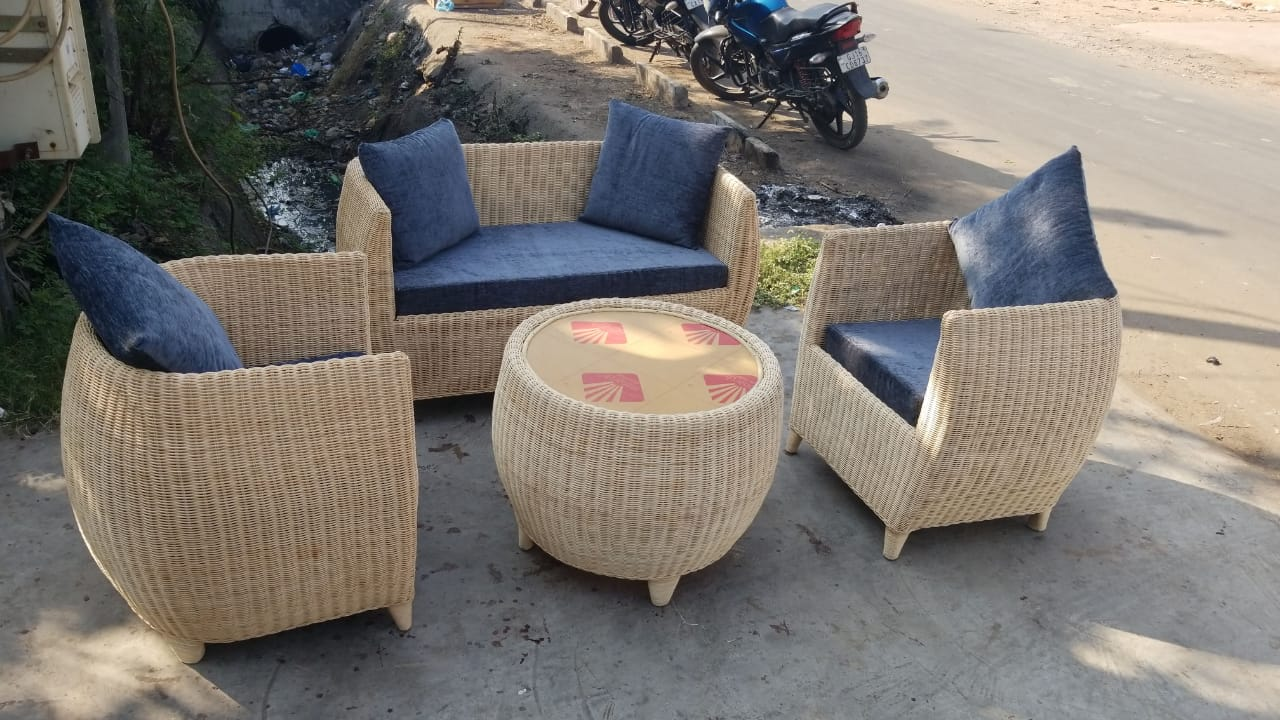 Sofa 4 seater Latest Cool Design