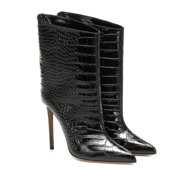 Ebony Crocodile Low Calf Boots