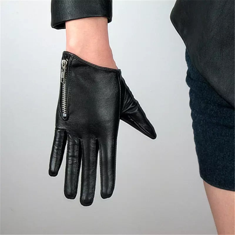 Madame Fly Genuine Leather Glove with Zipper Detail