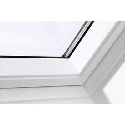 Image of VELUX GGL MK06 2070 White Painted Laminated Centre Pivot Roof Window 78x118cm