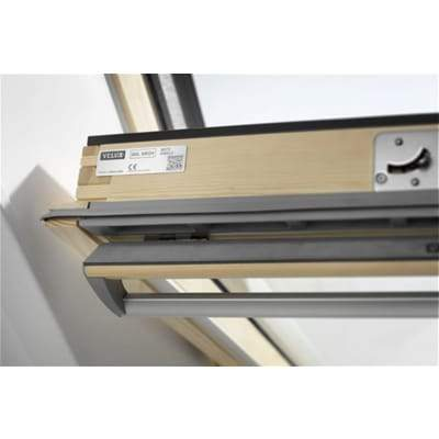 Image of VELUX GGL MK04 3070 Pine Laminated Centre Pivot Roof Window 78x98cm - Velux Roofing