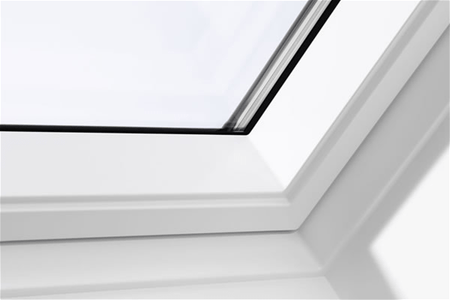 VELUX GGU MK04 0070 White Laminated Centre Pivot Roof Window 78x98cm - Velux Roofing