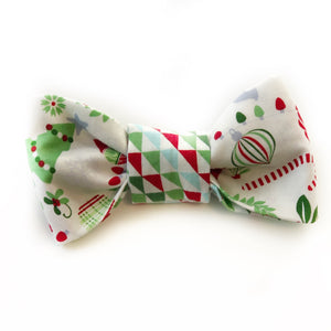 The Knit 9 Reversible Bow - Deck the Halls