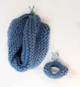 Handknit Super Chunky People Snood - Blue