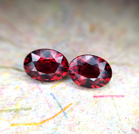 Pyrope Gemstone Oval Shape Bena Jewelry Deep Red Natural Gemstone Montreal Color Gemstone Bridal Ring Specialist Montreal