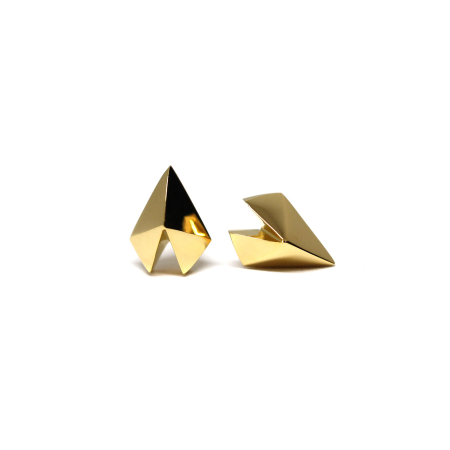 Bena Jewelry Montreal Vermeil Gold Stud earrings Heart Shape Silver Gold Plated Minimalist Unisexe Fine Jewelry Handmade in Montreal Canada Fine Jewelery Designer Edgy Collection