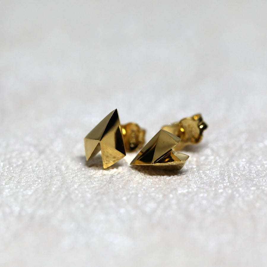 Bena Jewelry Heart Shape Studs Earrings Edgy Collection Silver Gold Plated Vermeil Gold Simple Shape Custom Made Fine Jewelry Montreal Jeweler Little Italy Showroom Collection Designer