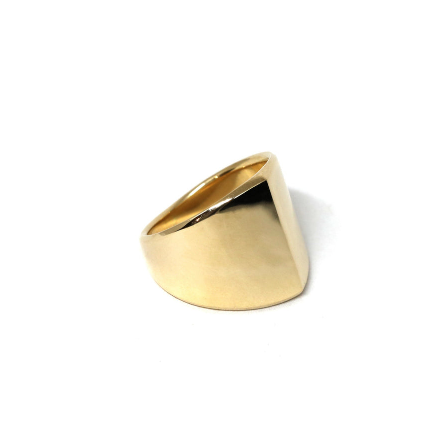 Front view of unisexe edgy yellow gold minimalist jewelry bold jewelry design montreal canada bena fashion jewelry designer