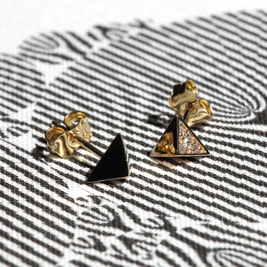 Natural light yellow gold and diamond stud earrings from Fancy Edgy Collection by Bena Jewelry Montreal made in Canada